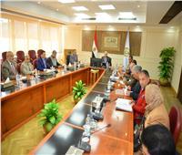 محافظ مطروح يؤكد اهتمام القيادة السياسية بتنفيذ احتياجات المحافظة التنموية