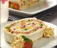 طبق اليوم.. «رول الخبز بالجبن الكريمى والتونة والخضار»