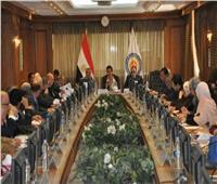 «عبدالغفار» يجتمع برؤساء لجان قطاع العلوم الأساسية بـ«الأعلى للجامعات»