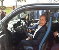 وزير الصناعة يشهد إطلاق المجموعة البافارية للسيارات الكهربائية