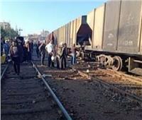 مصرع طالب بعد محاولته النزول من قطار بمحطة «الكاب» في بورسعيد