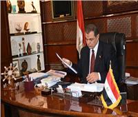 وزير القوى العاملة يهنئ محافظ أسيوط بالعيد القومي