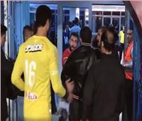 فيديو| مشادات بين لاعبي الأهلي وبيراميدز