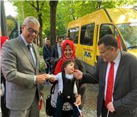 شاهد| أصغر طفل مصري يشارك في استفتاء التعديلات الدستورية