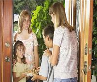 الاتيكيت بيقولك| 10 قواعد للتعامل مع جارك..«تهادوا تحبوا»