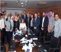 غرفة عمليات «الهجرة» تستجيب لـ105 استفسارات من المصريين بالخارج