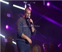 عمرو دياب يغني «كترت مواضيعك» دون الإعلان عن موعد طرحها