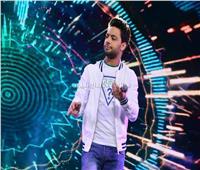 صور| أحمد جمال يُغني بحفل «المدرسة البريطانية» بحضور وزيرة الهجرة والمشاهير