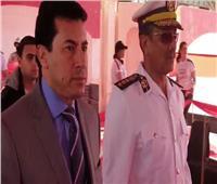 وزير الشباب والرياضة يدلي بصوته على التعديلات الدستورية بالتجمع الأول