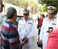 صور| قائد المدفعية ومأمور قسم المعادي يتفقدان لجان الاستفتاء