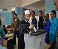 الأزهري يدلي بصوته في التعديلات الدستورية.. ويؤكد: «اذهبوا إلى صناديق الاقتراع»