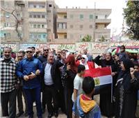 صور| الآلاف من عمال غزل المحلة ينظمون مسيرة لتأييد التعديلات الدستورية