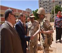 صور| محافظ أسيوط وقائد المنطقة الجنوبية العسكرية يتفقدان اللجان