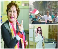 مشاهير يشاركون الشعب فرحته بالاستفتاء