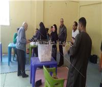 صور  إقبال ملحوظ على لجان الوافدين في ثاني أيام الإستفتاء بالإسكندرية