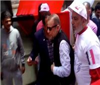 شريف منير يدلى بصوته بمدرسة على الجارم بمنطقة المنيل