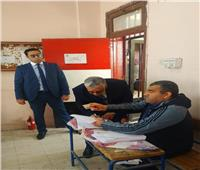 التعديلات الدستورية 2019| رئيس المحكمة الدستورية العليا يدلي بصوته في مدرسة طبري شيراتون