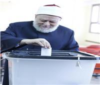 التعديلات الدستورية 2019| علي جمعة يدلي بصوته في 6 أكتوبر