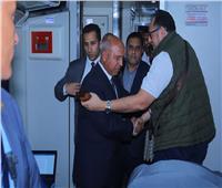 صور| كامل الوزير لـركاب قطار الإسكندرية: تحسن كبير في مستوى الخدمة قريبًا