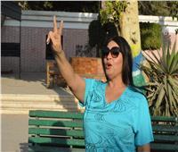 فيفي عبدة تدلي بصوتها في الاستفتاء على التعديلات الدستورية