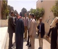 رئيس مدينة الحوامدية يتفقد لجان الاستفتاء بشركة السكر بالجيزة