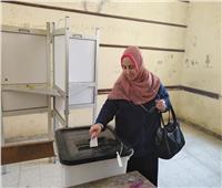 صور| سيدات حلوان تزين الاستفتاء على التعديلات الدستورية