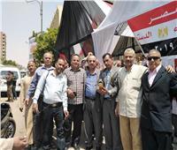 صور.. عمال حلوان للغزل والنسيج يشاركون في الاستفتاء على التعديلات الدستورية