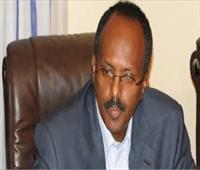 رئيس الصومال يصل القاهرة للقاء السيسي