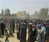 رئيس مركز القوصية يقدم العزاء لأسر ضحايا حادث ليبيا