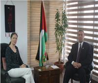 السفير الفلسطيني بالقاهرة يبحث مع مسئولة سويدية تطورات الأوضاع