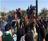 لأول مرة منذ الثورة.. قضاة سودانيون يخرجون في مسيرة بالخرطوم
