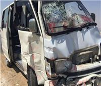 إصابة 8 أشخاص في تصادم سيارتين أجرة بالبحيرة