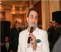 صور| أحمد شيبة يُشعل حفله الخيري بـ«شبرقة والزهر»