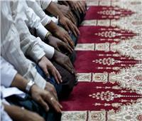 ما حكم قول «سيدنا محمد» في الآذان والتشهد؟| «الإفتاء» تجيب