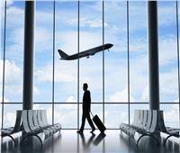 شاهد| ماذا فعل المصريون أثناء انتظار طائرتهم داخل مطار تونس؟