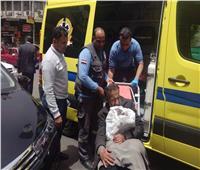 بالصور| التدخل السريع ينقذ مريض مسن بلا مأوى وينقله إلى المستشفى