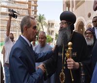 صور| محافظ أسيوط يزور كنائس ومطرانيات لتهنئة الأقباط بعيد القيامة