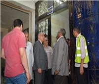 رئيس جامعة أسيوط يجري تفتيش مفاجئ على قسم الطوارئ بالمستشفى الجامعي