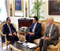 رئيس الوزراء يلتقى وزير التعليم العالي ورئيس جامعة سنجور