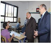محافظ القاهرة ومدير التعليم يتفقدان لجان امتحانات الشهادة الإعدادية