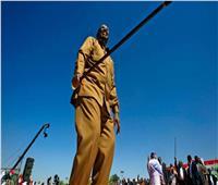 البشير يتلاشى من حياة السودانيين... الشرطة السودانية تزيل صور الرئيس السابق