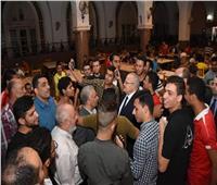 صور| رئيس جامعة القاهرة يشارك طلاب المدينة الجامعية إفطار رمضان