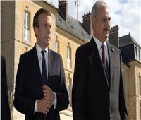 فرنسا: ماكرون يريد الاجتماع مع حفتر للحث على وقف إطلاق النار