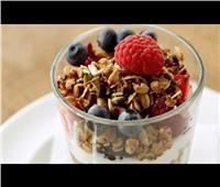 طريقة عمل «الزبادي والجرانولا» لزيادة الوزن في شهر رمضان
