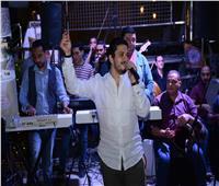 صور| مصطفى حجاج يُشعل أجواء «لوبساج» بـ«النعناع»
