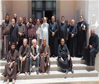 مطران طيبة للأقباط الكاثوليك يلتقي كهنة ورهبان الايبارشية