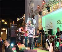 صور| محمود العسيلي يُشعل خيمة «المعداوية» بأغنية «ابن مصر»