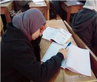 بدء الامتحانات الورقية لطلاب الصف الأول الثانوي بعد فشل الدخول على السيستم