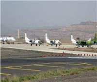 مصادر يمنية: ميليشيات الحوثي تزرع الألغام وتحفر الخنادق حول مطار الحديدة