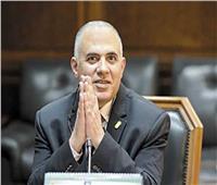 وزير الري يتفقد مشروعات حماية الشواطئ برشيد
